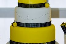 Bumble bee cakes / by Madeline Morcelo