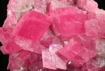 gemS 03-Q,R,S,T,U,V,W,X,Y,Z / 17\ Rhodonite, Rhodochrosite MnCO3 , etc18\Smoky SiO2 (Καπνιστη χαλαζια),Smithsonite,Sulfur 19\ Titanite CaTiSiO5, Tsavorite (Γρανατης),Titanium,Tourmaline (Τουρμαλινη)Topaz Al2SiO2F2 (Τοπαζιο), Turquoize etc20\Uvite (ασυνηθιστηΤουρμαλινη),Uvarovite( ουβαροβιτε)ειδος γρανιτη21\Vezuvianite etc22\Wulfenite, etc23\ZINCITE(ορυκτό μορφή του οξειδίου του ψευδαργύρου ( Zn O ).