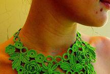 háčkovaný náhrdelník