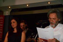 """ΜΟΥΣΙΚΗ ΒΡΑΔΙΑ ΜΕ ΤΗΝ ΕΛΕΝΗ ΠΕΤΑ ΑΦΙΕΡΩΜΕΝΗ ΣΤΟΝ ΓΙΑΝΝΗ ΚΑΛΠΟΥΖΟ / Μουσική Βραδιά με την Ελένη Πέτα αφιερωμένη στα τραγούδια του Γιάννη Καλπούζου και στο νέο του βιβλίο """"Ό,τι αγαπώ είναι δικό σου"""" που κυκλοφορεί από τις Εκδόσεις Ψυχογιός.  Η εκδήλωση πραγματοποιήθηκε τη Δευτέρα 19 Μαϊου στις 9 το βράδυ στα Public Συντάγματος με χορηγό επικοινωνίας τον Love Radio 97.5."""