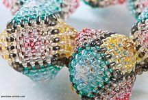 PRECIOSA Twin™ seed beads