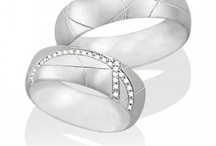 Trauringe - Wedding Rings / Trauringe können individuell und unverwechselbar sein. - - - Distinctive wedding rings for a special connection of two hearts.
