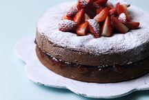 Healthy chokolate strawberrie cake