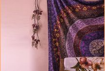 Ethnic Wall Tapestry / If you are in search of the most stylish and unique designs of wall hangings then take a look at the Aakriti Gallery's ethnic Tapestry.