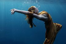 Underwater Revolution. / Underwater beauty and strange fashion photography.
