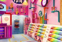 Loja / Inspire-se com um compilado de imagens de decoração de loja e tenha muitas ideias de decoração de loja. Veja também decoração de loja de roupas e as melhores fotos de decoração de loja pequena.  Aproveite e saiba tudo sobre como decorar loja. #decoracaodeloja #comodecorarloja #ideiasdedecoracaodeloja #decoracaodelojapequena