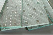 GLAS / Deco Home Bos en Bos Schilderwerken leveren en zetten glas voor in en om u huis.