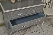 Hand Painted Grey Furniture / hand painted grey furniture showcases furniture painted with grey paint in the shabby chic style and upcycled furniture painted in grey