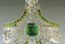 Rubies & Emeralds / Jewelry: rings, bracelets, necklaces, brooches, earrings, pins