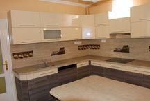 Általunk készített konyhák / Itt láthatja az általunk készített egyedi konyhabútorokat.