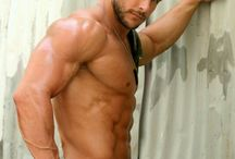 i want muscles like that...