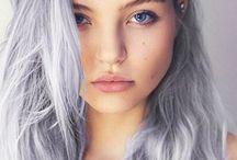 lila grått hår