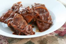 Shockingly Delicious Crock Pot or Slow Cooker Recipes / by Dorothy Reinhold -- Shockingly Delicious