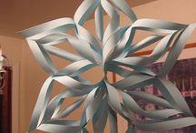 Decorazioni con la carta / Paper decorations / idee tratte dal web da fare con la carta