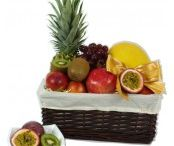 Vegetarian Gift Hampers / Halal Hamper House offering online vegetarian gift hampers in Hayes UK.
