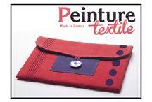 Peinture et teinture textile Aladine / Cette nouvelle peinture textile est préconisée pour les créations textiles et la customisation. Elle est facile d'emploi. Les couleurs se mélangent aisément entre elles. Une gamme d'outils complémentaires s'adapte au flacon. L'embout rond est particulièrement recommandé pour l'usage du pochoir sans déborder, il sert également à déposer de la couleur sur le caoutchouc des tampons.