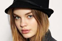 hat,s
