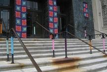Yarn Bombing / Intervenciones de tejidos en vía pública y también día mundial del tejido en público.