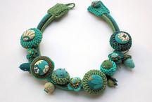 Crochet jewelries, small accessories / Jewelries, pins,pendants, key holders, etc.