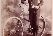 Ciclo Cartes de visite / Bicicletas, sempre elas, desde os tempos das cartes de visite.