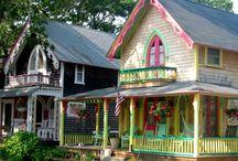 PRETTY LITTLE HOUSES / #littlehouses #tinyhouse