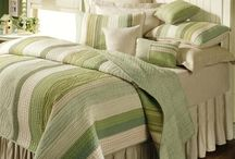 Green Bedrooms / From mint to emerald, this collection of pictures will inspire you to create the perfect green bedroom.