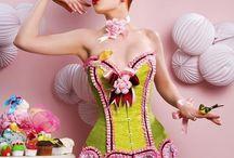 Costumes & burlesque