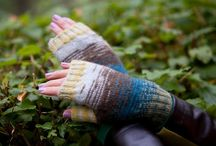Knitted mitts, mittens / Knitted accessories