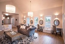Bridal Cottage / The Bridal Cottage is the perfect space to get ready all day with the girls. The natural lighting makes for effortless getting ready. The bride will make her grand entrance onto the aisle through the double doors in the cottage suite.