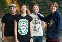 More pop punk bands for me please ❤️