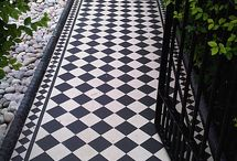 Black and white front entrance tiles / Grand entrance