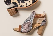 Spring and Summer 2017 / Spring and Summer's biggest trends: block heels, espadrilles, gladiators, flip flops, slides and strappy sandals in patterns you'll love!