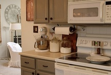 Kitchen Paint Color Ideas / by Connie Shytle