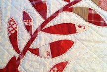 Red/White Quilts / by Linda Matsumoto