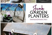 container gardening / by Patricia Gillogly