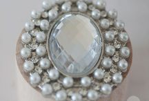 Crystal and Pearl Brooches (Pins) / Perfect for wedding styling or coordinating wedding accessories these crystal and pearl brooches come in various sizes and styles to add that added bit of detail and bling!