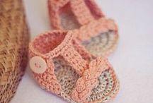 Sandali per bambini all'uncinetto