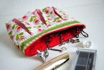 Taschen und Täschchen / genäht, gestrickt, gehäkelt
