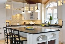 This Old Kitchen / Redesigning this kitchen on a budget - paint will be my best friend!