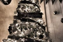 Raiders Silver & Black Christmas Tree and Decorations / Raiders Silver & Black Christmas Tree and Decorations and DIY Banner & Stockings