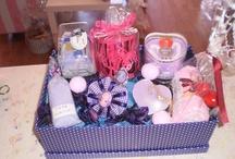 cestas de regalo de Estefanía eventos / OS presento algunas de las cesta de regalos que os podeis encontrar en la tienda.Se hacen al gusto