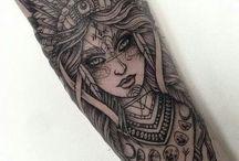 Donna tatuaggi