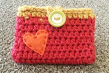 Crocheted Bags & Purses / by Cindy Peistrack