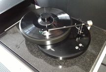 AMG Giro turntable / www.musicalsurroundings.com