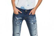 Jeans destroyed / Destroyeds ou com leve desfiados, eles são a opção certa para um visual bem atual.