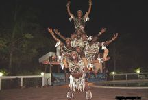 SHOW - ENTERTAINMENT - / Tribal dancers and acrobats from Kenyan ethnic groups will entertain you during the evening animation.  On request music lesson to learn how to play drums.