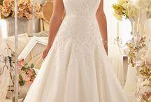 Curvy bride / Curvy bride and bridesmaid