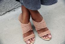 Shoes / Tan wedge