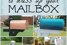 Mailbox Decor / Mailboxes decorated for events and seasons all year long!
