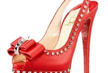 Clothes/shoes ect.